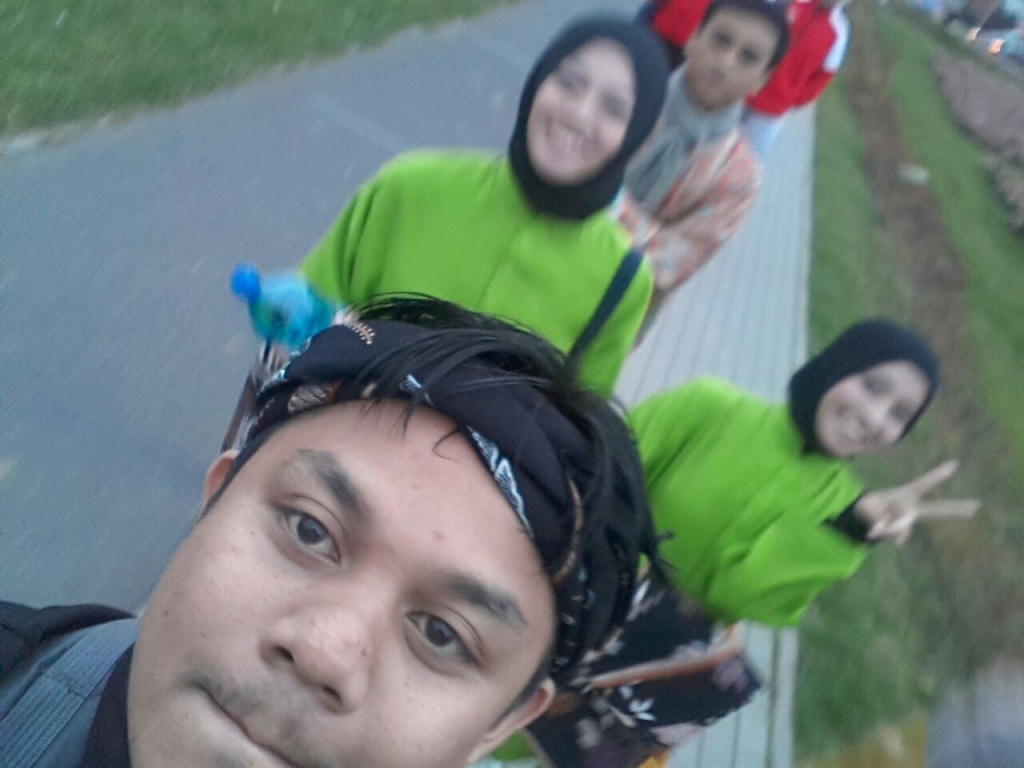 On the way to perform silat!